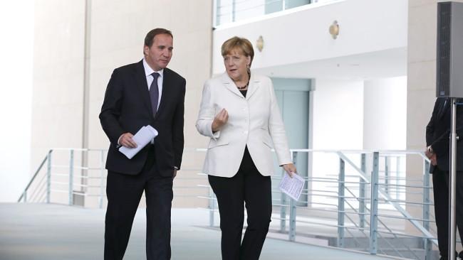 Stefan Löfven i Angela Merkel - główni proponenci liberalnej politycki imigracyjnej. Zdjęcie pochodzi z NRK
