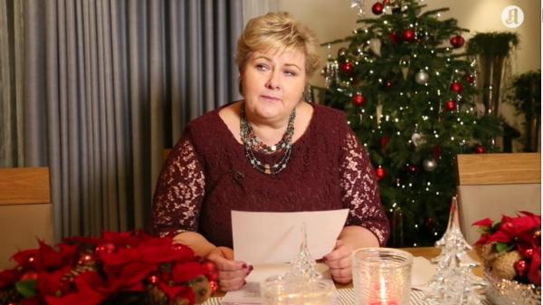 Erna Solber czyta listy. Zdjęcie - Aftenposten