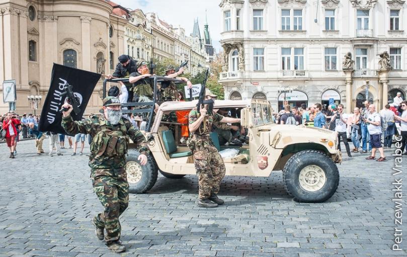 Przedstawienie na Rynku Staromiejskim Zdjęcie: a2larm.cz